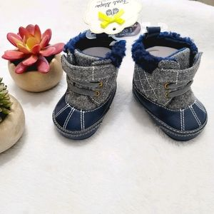NWT First Steps By Stepping Stones Baby Boots